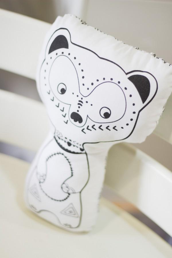 ¿Quién es MIMO? El muñeco para bebés que les protege mientras la tribu duerme.