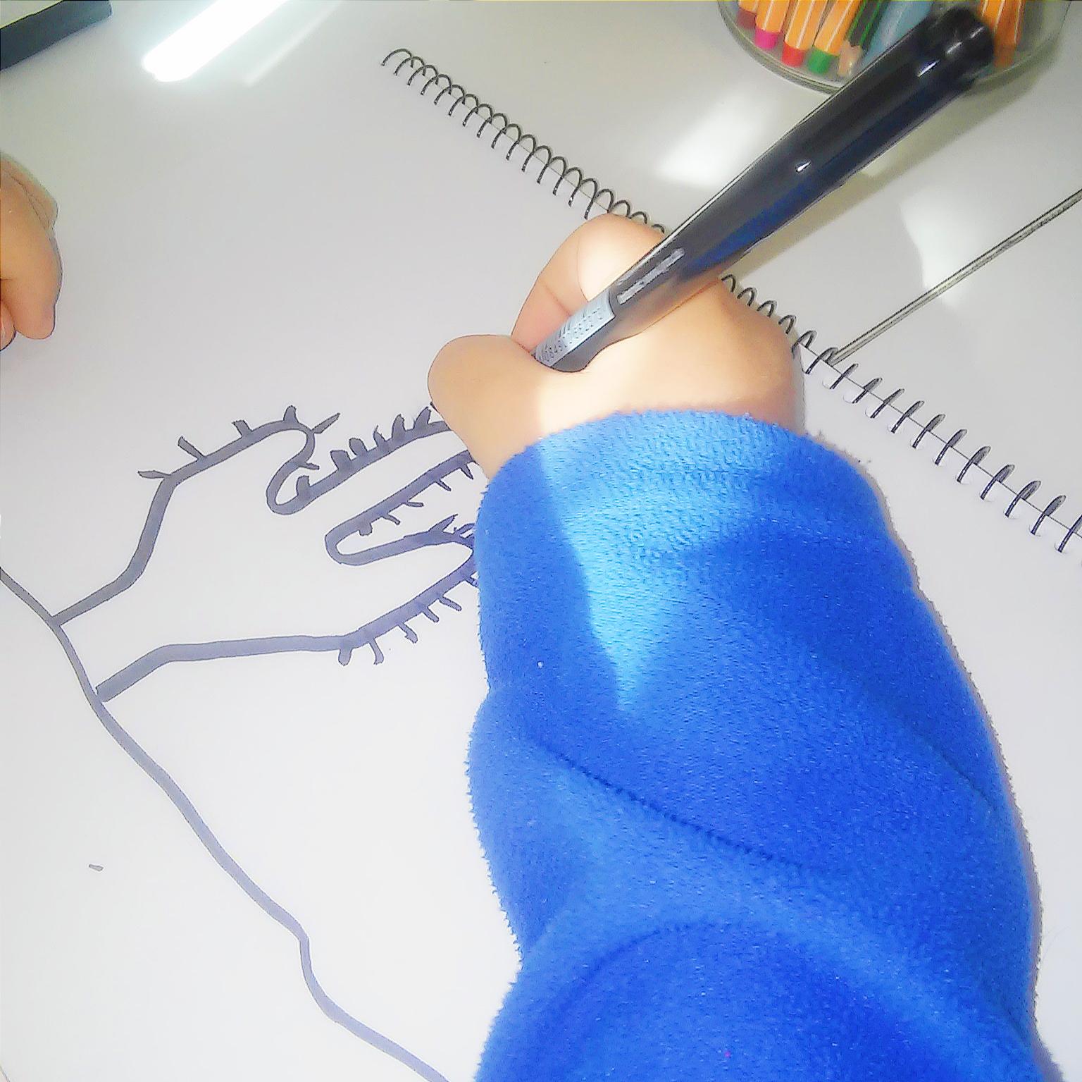 doodling niños